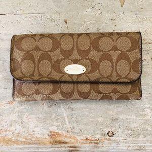 ♥️ Coach ♥️ Signature Tri-Fold Wallet